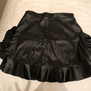 Faux leather mini skirt (pleather)
